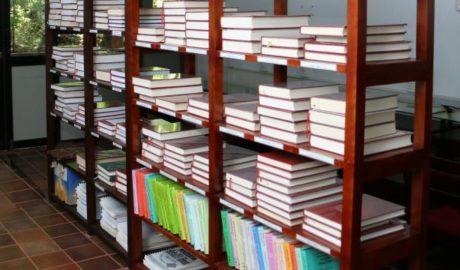 三人因销售佛教书籍被中国当局关押