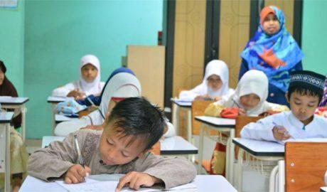 甘肃当局禁止幼儿园教授阿语课