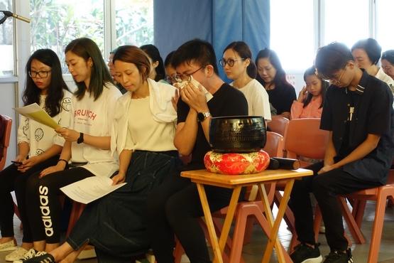 香港逾四十处教堂为社会敲钟祈祷,信徒冀钟声能唤醒良知