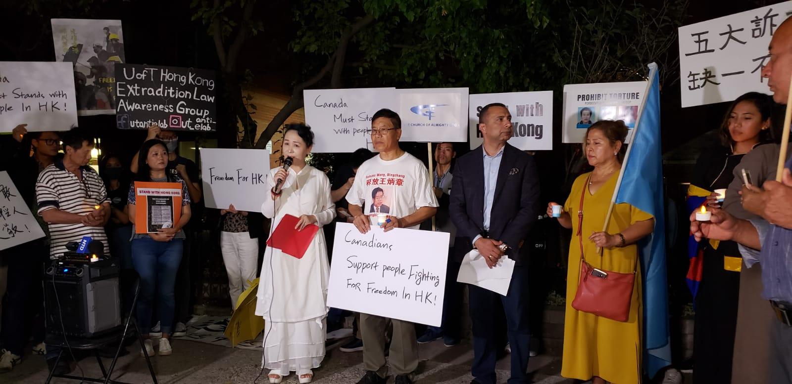 民主中国阵线副主席盛雪女士在现场发言