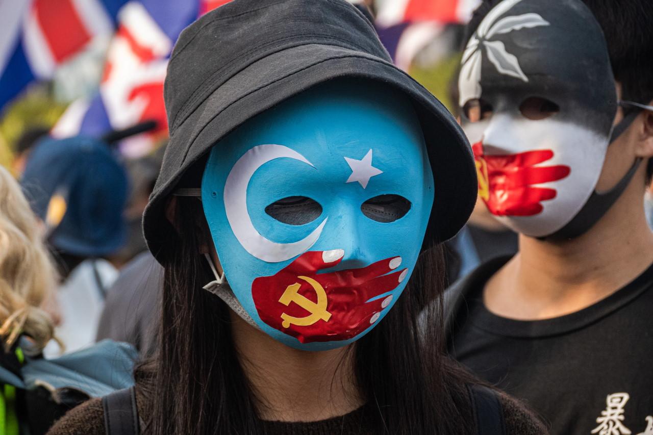 港人集会声援维吾尔人 警干预酿严重警民冲突