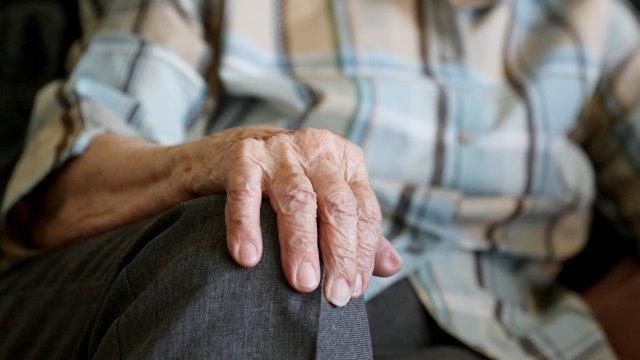 洗脑、关禁闭、虐待:老年基督徒惨遭65天非人折磨