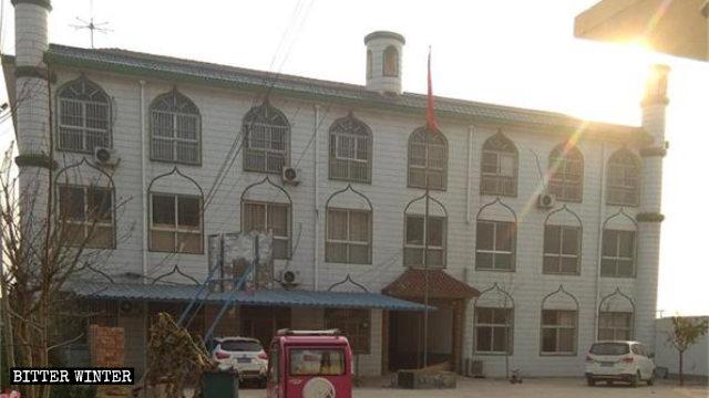 伊斯兰阿语学校遭关十万《古兰经》被焚 中共狠打回族穆斯林