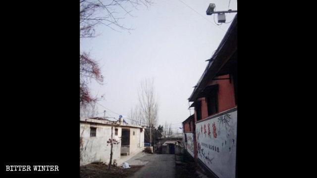 孟庄镇一教会负责人家门口被安装监控