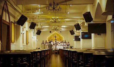 成都秋雨圣约教会本周日复活节举行主日崇拜