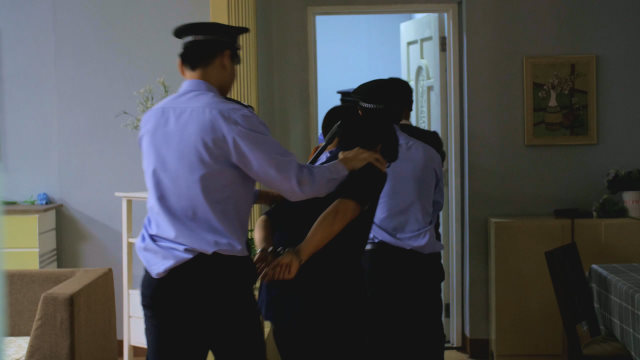 警察抓捕基督徒