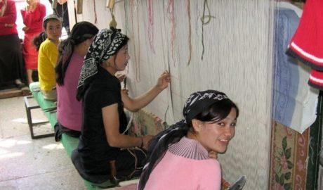 新疆维族妇女