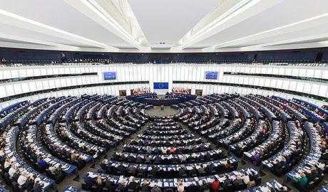 """欧洲议会议员日前提出决议草案,谴责北京强推""""港版国安法"""",呼吁成员国向国际法院提诉讼。"""