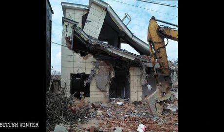 一村民的房屋被拆毁