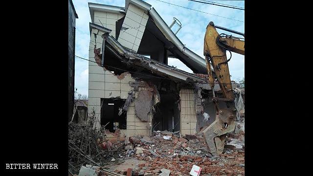 中共再为面子工程胁迫搬迁    近五千村民失去家园多人丧命