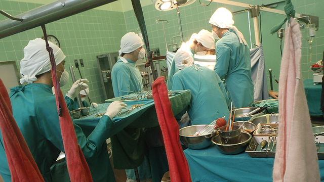 十天四颗匹配的心脏 中共按需摘取器官 世界严重关注