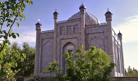 苏丹·苏图克·布格拉汗(Sultan Sutuq Bughra Khan)的墓