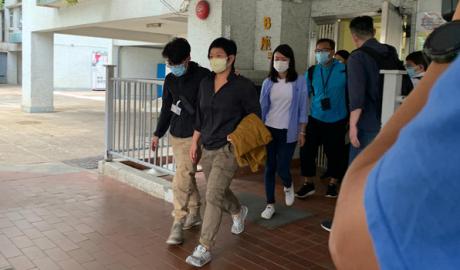 2020年11月3日,港警登门拘捕香港电台电视部编导蔡玉玲,并搜查其寓所