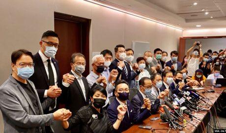 19名香港民主派立法會議員11月11日宣布集體總辭,對中國全國人大常委會通過,有關褫奪4名民主派議員的決定,表達強烈抗議。