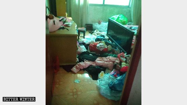 宜春市一处基督徒住处被警察查抄后一片狼藉