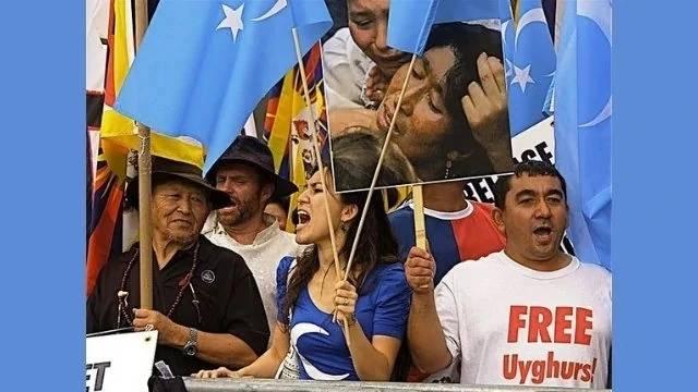 美官员:中国通过监禁维吾尔活动人士在新疆的亲属来报复他们